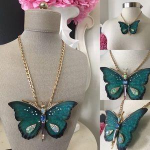 🌺BetseyJohnson Large Butterfly Statement Necklace